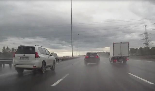 Авария на КАД в Санкт-Петербурге