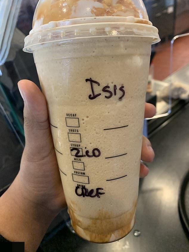 Мусульманка подает в суд на Starbucks из-за того, что на ее стакане бариста написал «ИГИЛ» (3 фото)