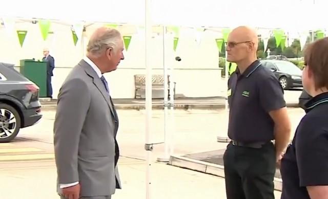 Принц Чарльз и работник супермаркета