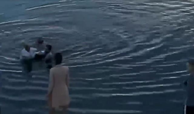 Женщина тонула в Перми