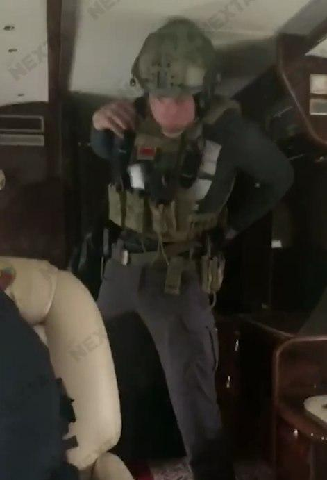 Александр Лукашенко вооружил своего сына и сам взял в руки автомат (фото + 2 видео)