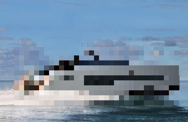 Сверхсовременная яхта с собственной подводкой лодкой за 2,3 млн фунтов