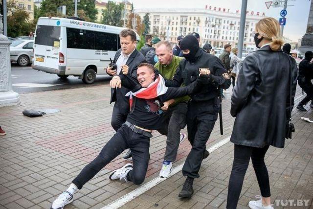 Студента арестовали