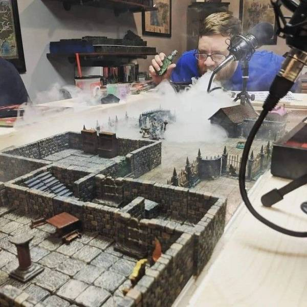 Миниатюра города в тумане