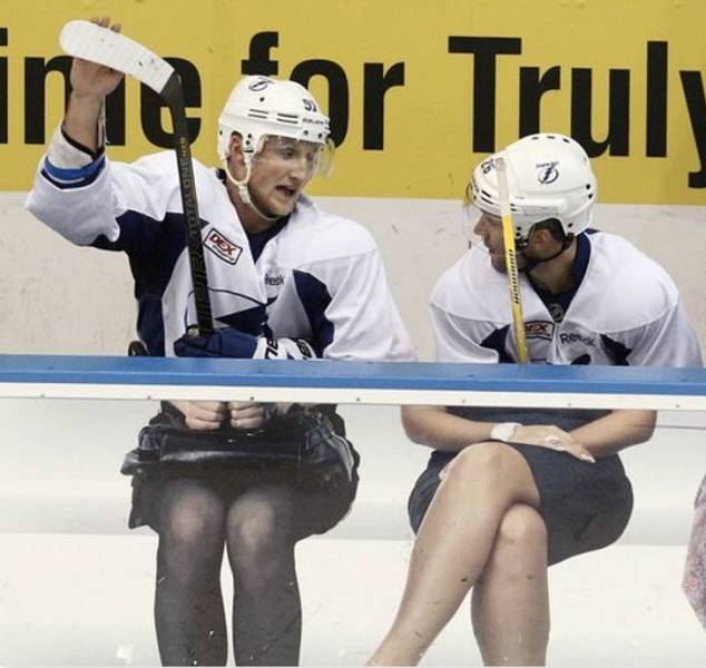 Забавное фото во время хоккея