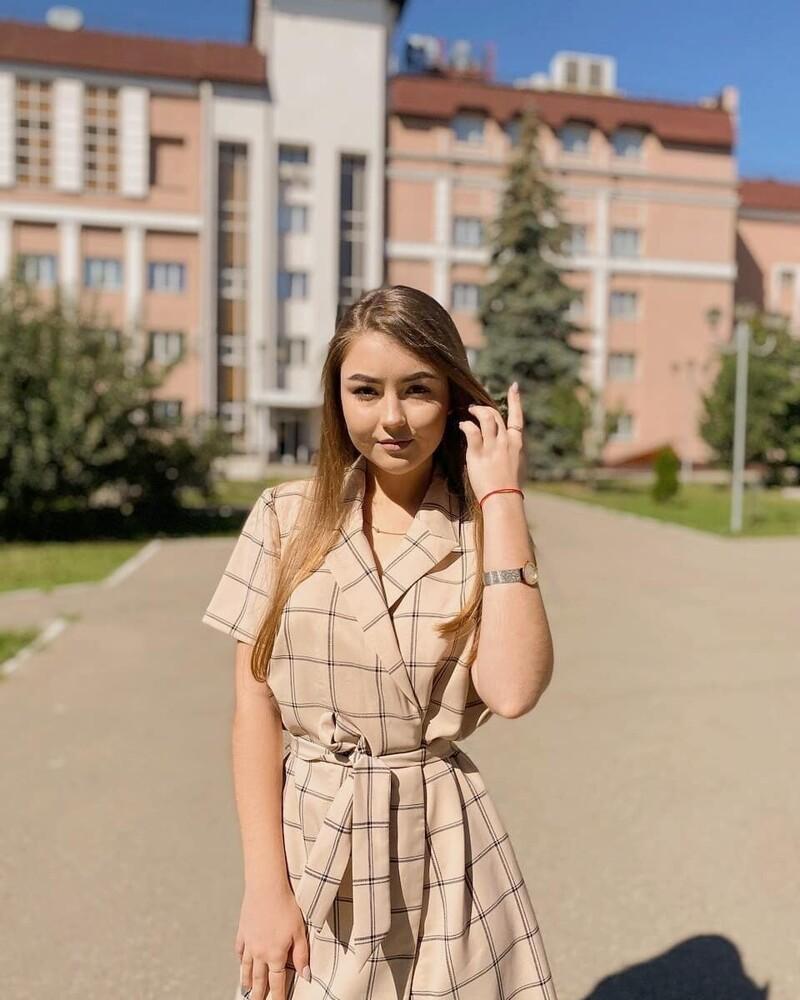 Симпатичные девушки, которые в этом году стали студентками (14 фото)