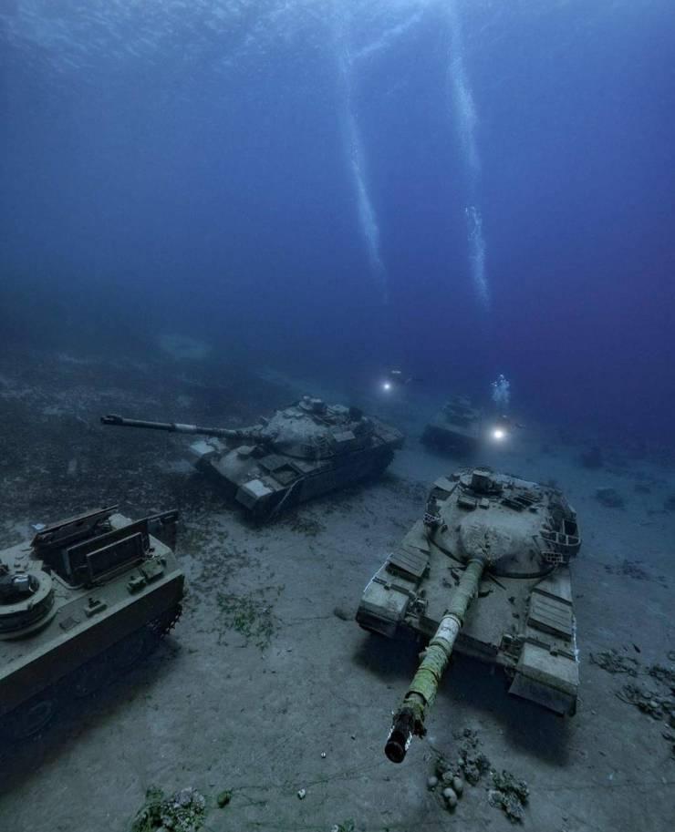 Затонувшие танки