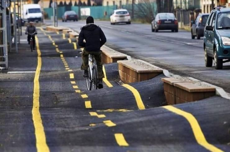 Волнистая велосипедная дорожка