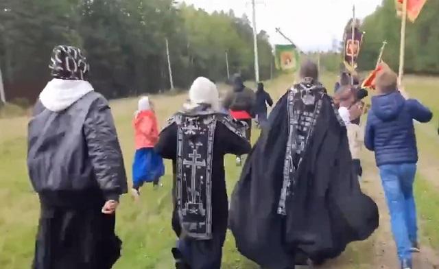 Схиигумен Сергий бежит