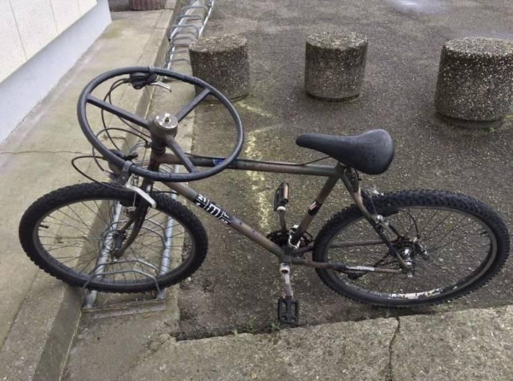 Велосипед с круглым рулем