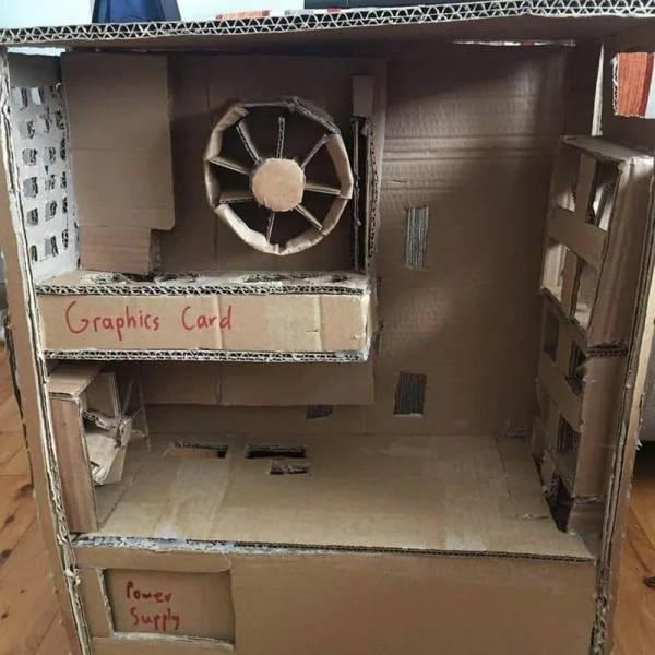 Компьютер из картона
