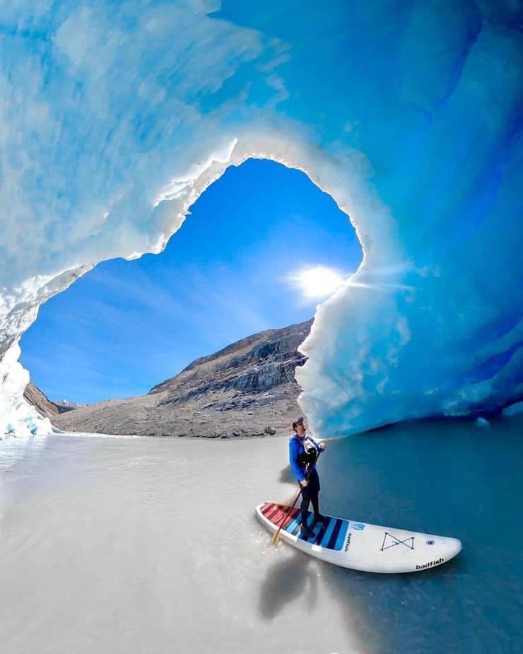 На каяке среди льдов
