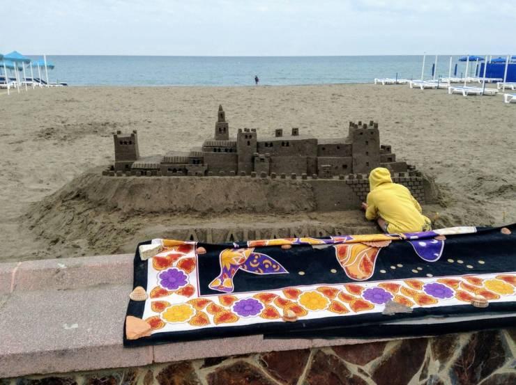 Впечатляющий замок из песка