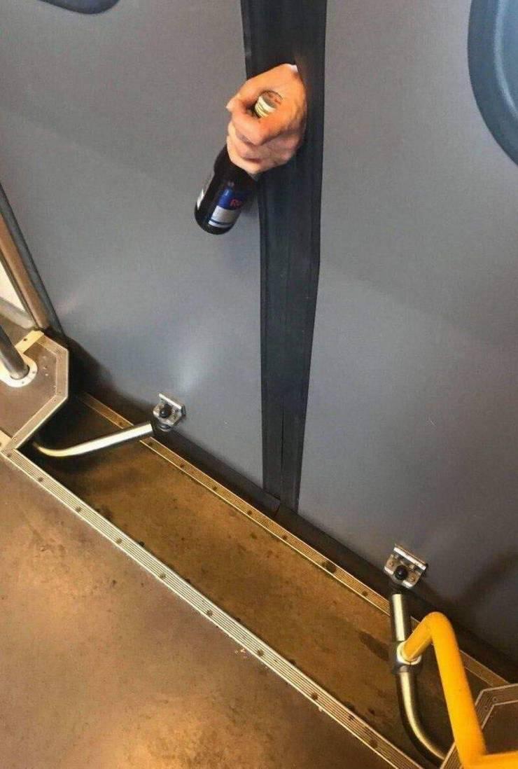 Застрял в вагоне метро