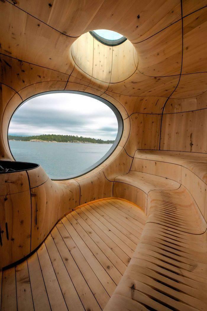Уютная сауна с видом на водоем
