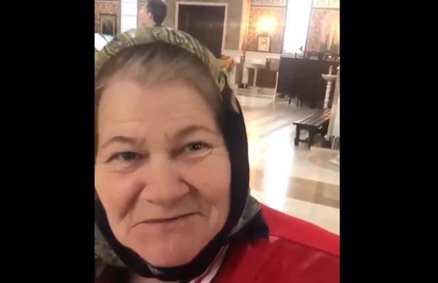 Бабушка в храме