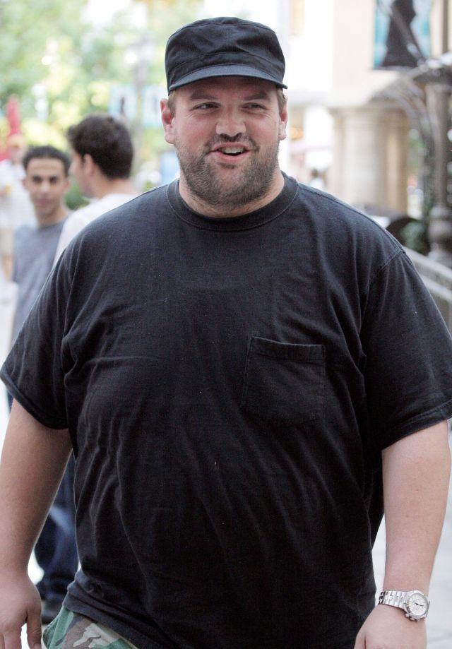 Итан Сапли толстый