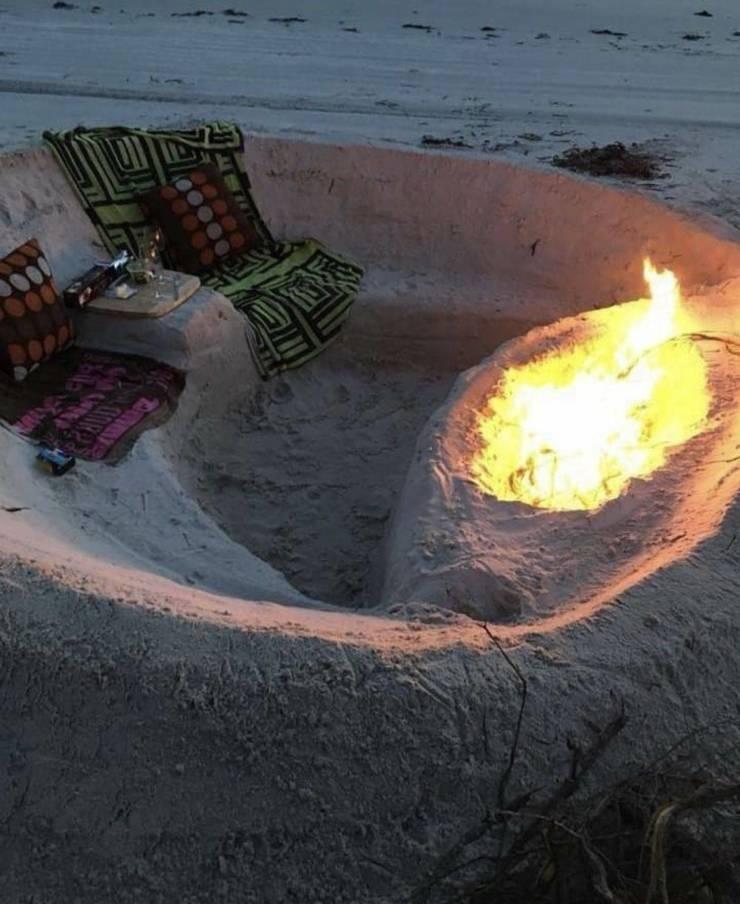 Отдых на пляже с костром