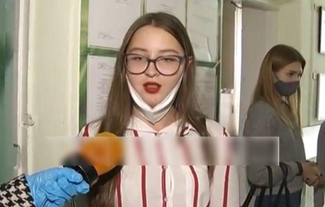 Студентка дает интервью