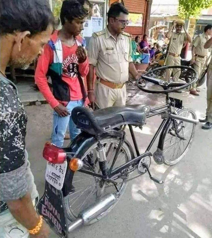 Мотоцикл с рулем от автобуса