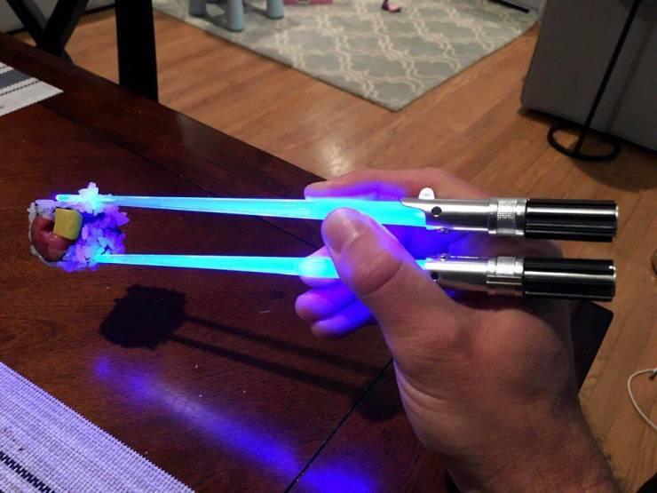 Светящиеся палочки для суши