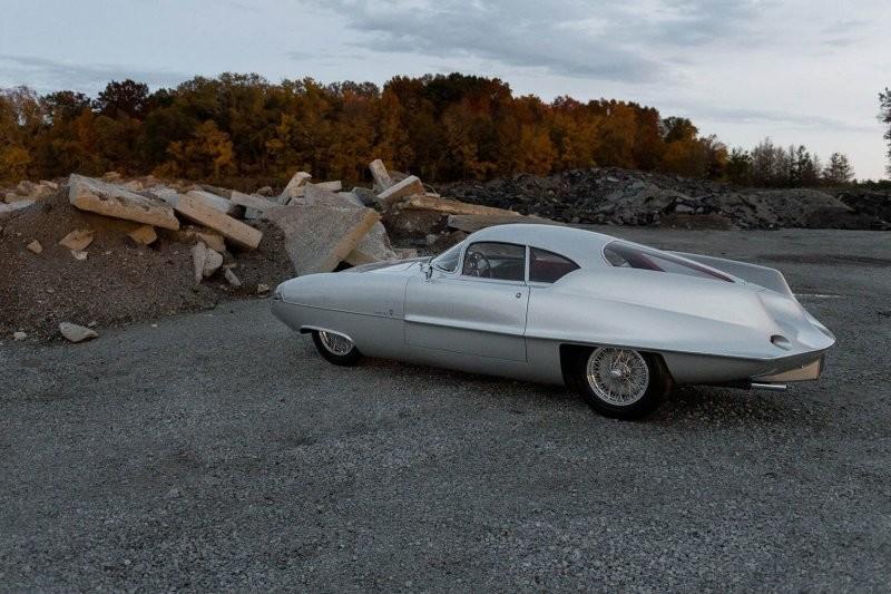 На аукционе решили продать три уникальных автомобиля Alfa Romeo B.A.T. (30 фото)