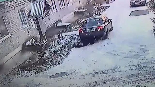 Водитель наехал на женщину