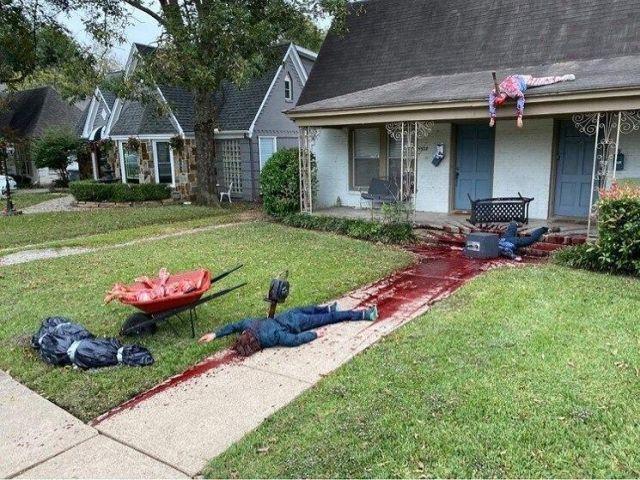 Американец Стивен Новак украсил свой дом на Хэллоуин