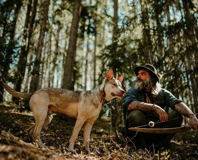 Донни Даст с собакой