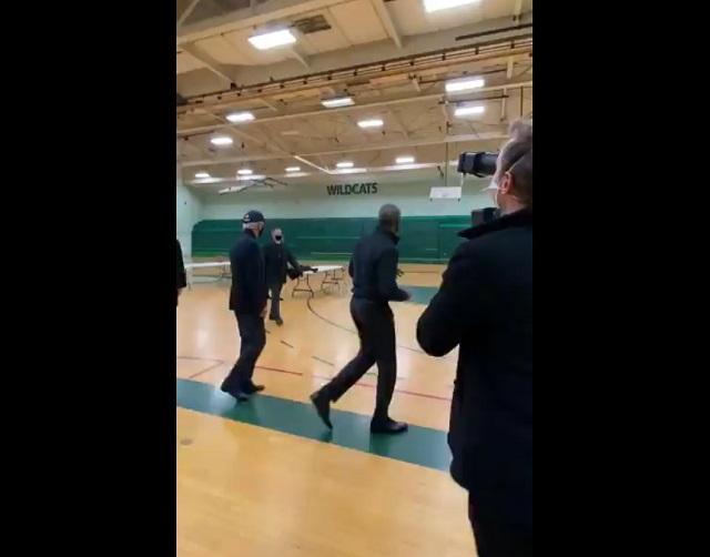 Барак Обама на баскетбольном поле