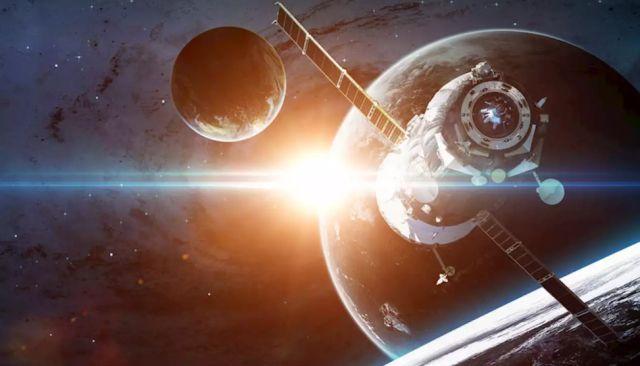 Спутники в космосе