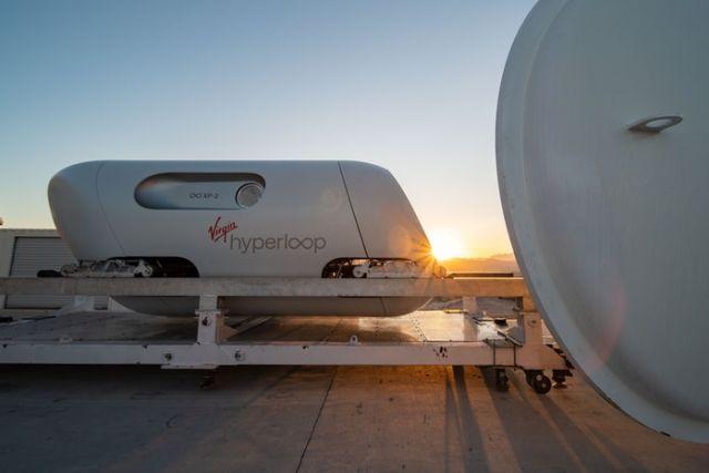 Вакуумную капсулу Hyperloop готовят к испытанию