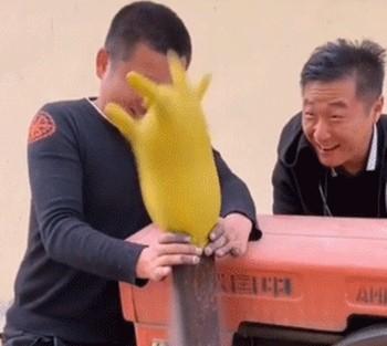 Фейл с перчаткой