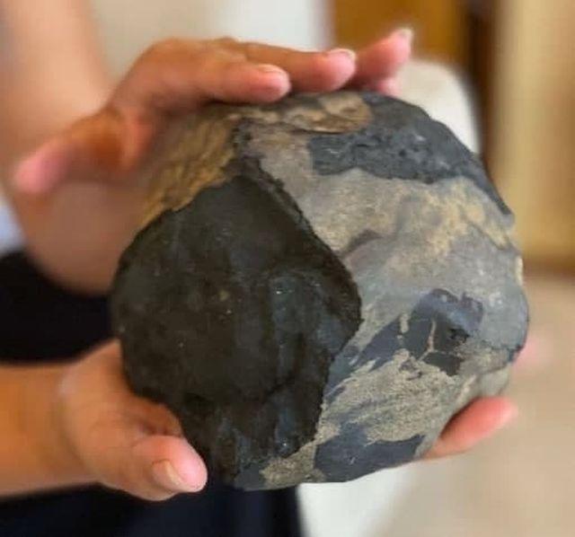 Метеорит, который упал на дом Джошуа Хутагалунга