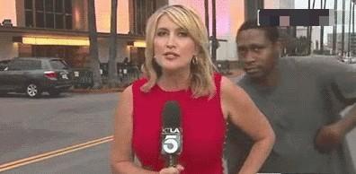 Испугал репортера