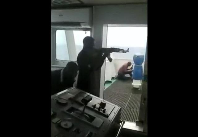 Перестрелка на корабле
