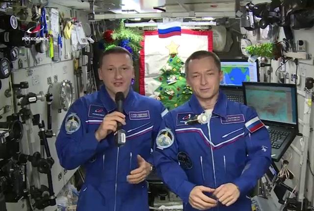 Космонавты с МКС