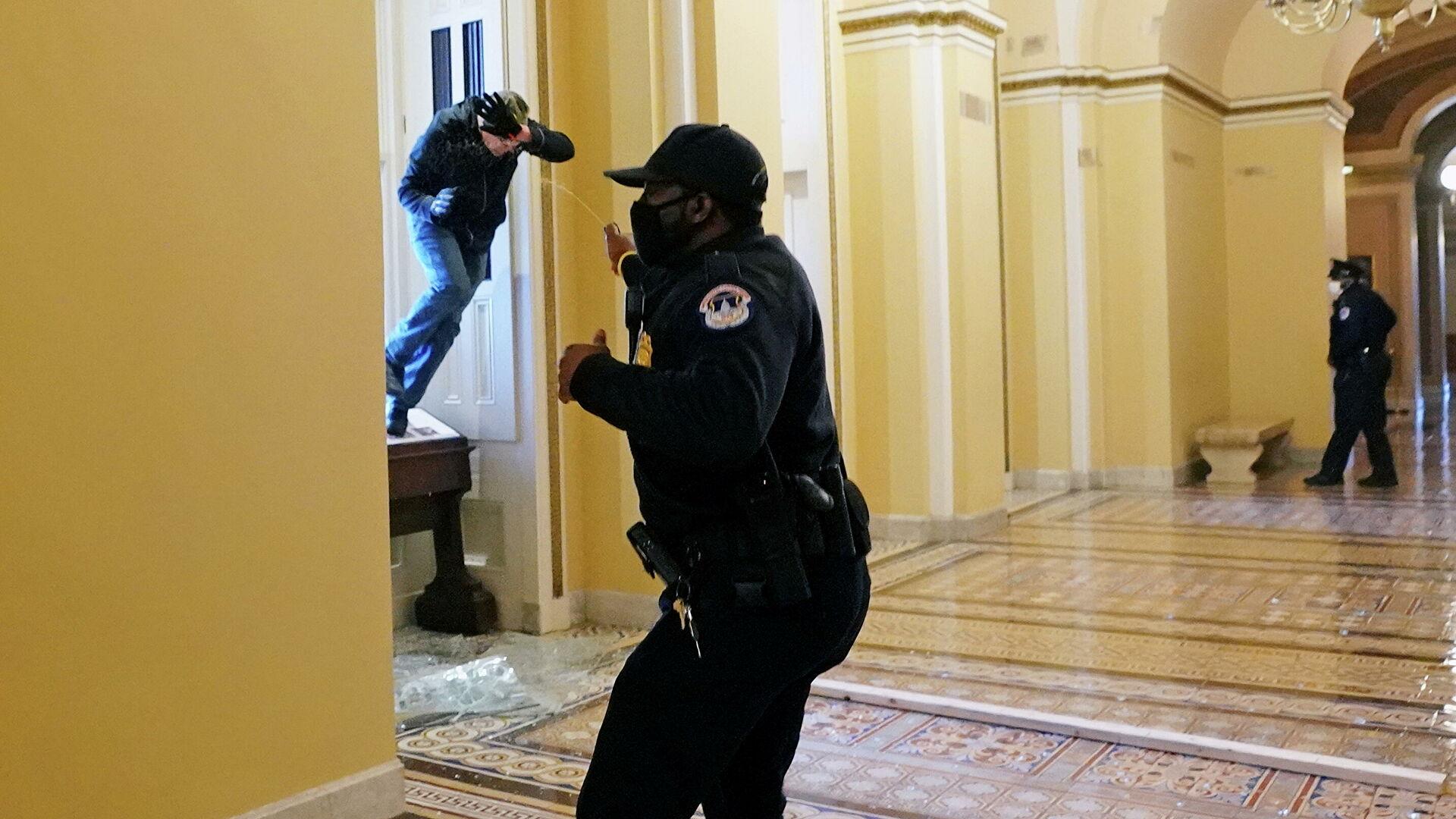Протесты у Капитолия: фотографии с места событий (15 фото)