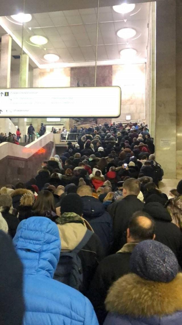 Очередь в московском метро
