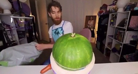 Лопнувший арбуз