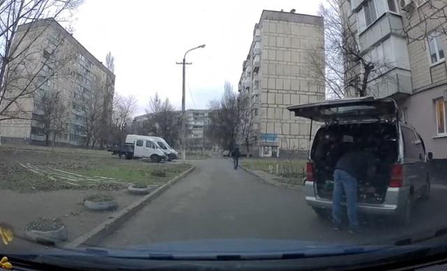 Таксист поругался с клиентами