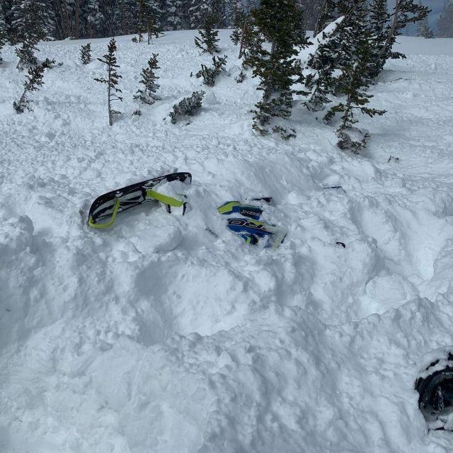 Снегоход в снегу