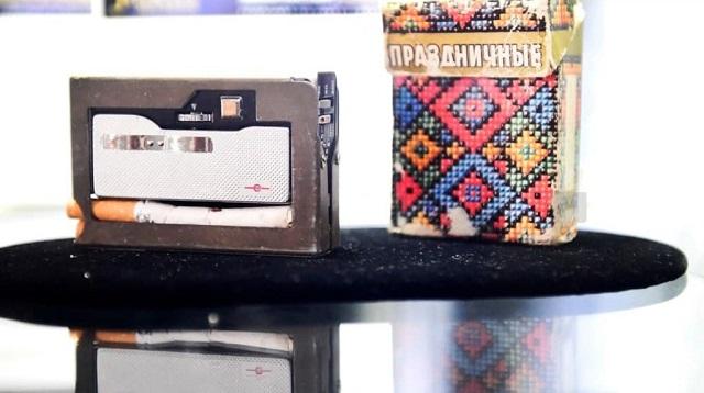 Сигаретная пачка со встроенной камерой