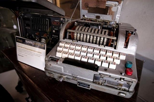 Советская шифровальная машина «Фиалка»