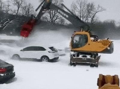 Очистка автомобилей от снега