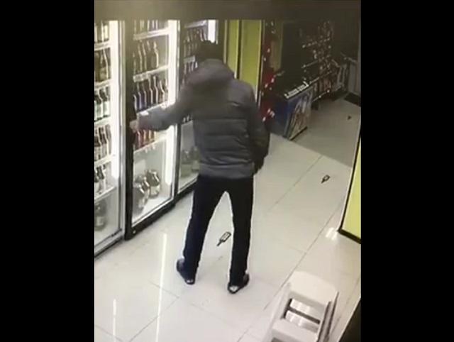 Вор в магазине