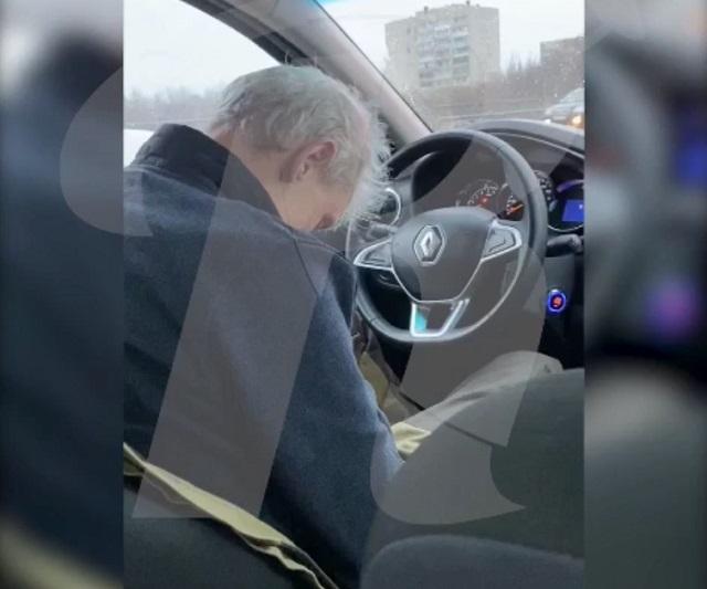 таксисту стало плохо за рулем
