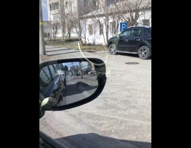Водитель поиграл в салочки с сотрудником ГАИ