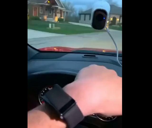 веб-камера в машине