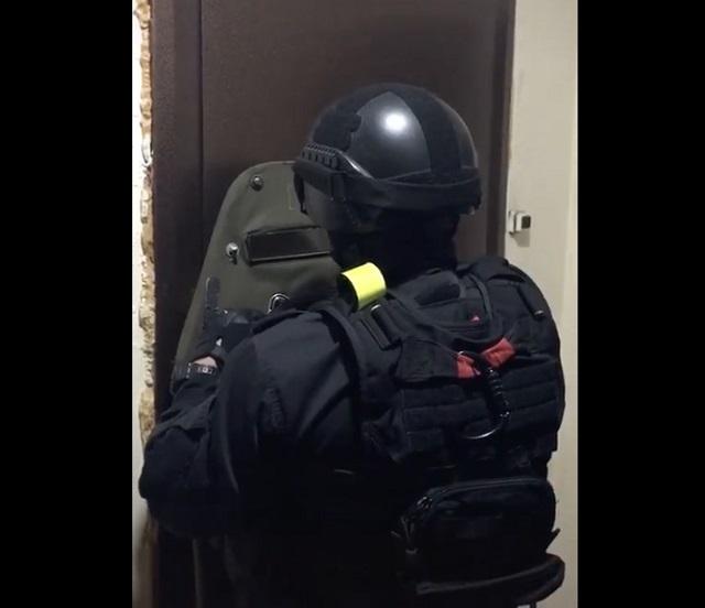 Полицейский, который может подрабатывать актером